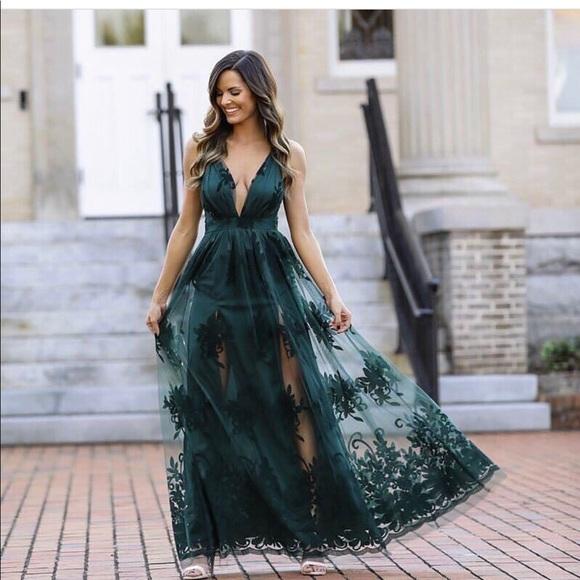 317f2701d9a Dresses   Skirts - Beautiful emerald green dress.